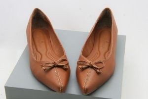 POINTED COMING SOON-CARAMELO