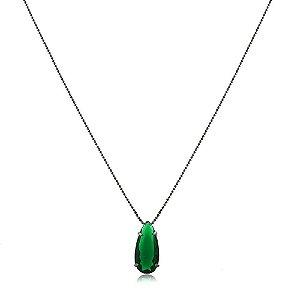 Colar gota alongada de zircônia verde esmeralda folheado a ródio negro