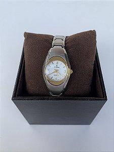 Relógio pequeno stilus