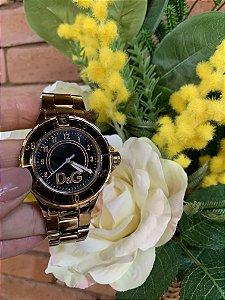 Relógio rosé c/ fundo preto