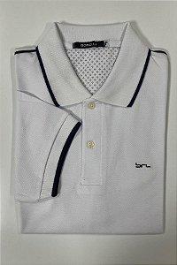 Camisa Polo Branca   Detalhe na Manga e na Gola