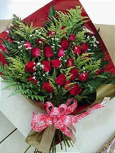 Ramalhete com 24 Rosas Vermelhas