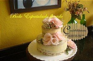 BOLO NAKED CAKE ESPATULADO