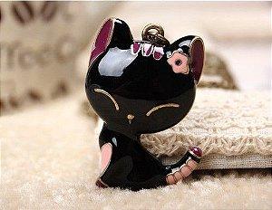 Corrente Vintage com pingente de gato preto pintado e detalhes em rosa