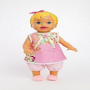 Roupa para Boneca - Vestido Patchwork Rosa - Veste Bonecas tipo Baby Alive - Cantinho da Boneca