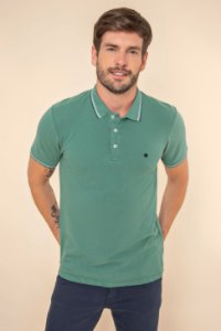 POLO MASCULINA SLIM FIT PIQUET COM BORDADO CONTRASTE  COR VERDE JOLLY