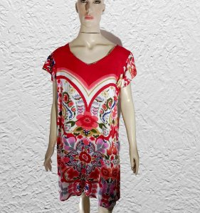 vestido curto estampado manga curta