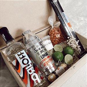 Caixa Vodka e Coqueteleira Personalizada com Petiscos  cod CA006