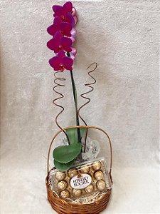Cesta Orquídea com Ferrero Rocher cod CM09