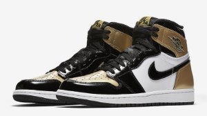"TÊNIS AIR JORDAN 1 RETRO HIGH OG ""GOLD TOE"""