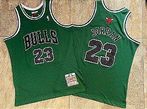 Camisa de Basquete Chicago Bulls San Parick Day Hardwood Classics M&N - 23 Michael Jordan, 1 Derrick Rose