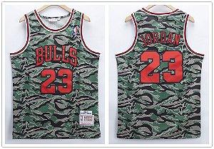 Camisa de Basquete Chicago Bulls Retrô Camuflada - 23 Michael Jordan