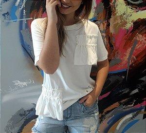 T-shirt Branca com Babados