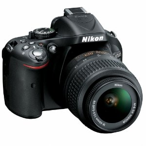 Câmera Digital Nikon D5200 24.1MP Vídeo Full HD + Kit Lente 18-55mm VR