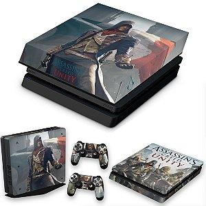 KIT PS4 Slim Skin e Capa Anti Poeira - Assassins Creed Unity