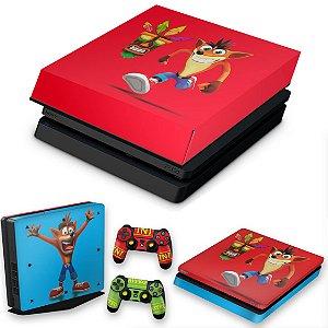 KIT PS4 Slim Skin e Capa Anti Poeira - Crash Bandicoot