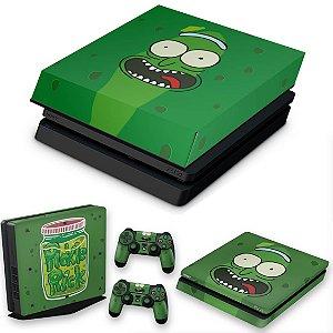 KIT PS4 Slim Skin e Capa Anti Poeira - Pickle Rick And Morty