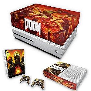KIT Xbox One S Slim Skin e Capa Anti Poeira - Doom