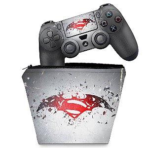 KIT Capa Case e Skin PS4 Controle  - Batman Vs Superman Logo