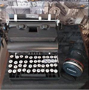 Máquina de escrever estilo retrô vintage