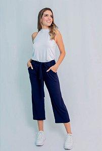 Calça Pantacourt Maria Paes com Bolso e Cinto Azul Marinho