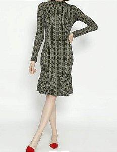 Vestido Curto e Maga Comprida Maria Paes Verde