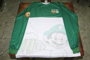 Camiseta Manga Longa Masculina verde e branca com mascote