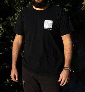 Camiseta Placa Enfim Livres - Preta