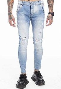 Calça Jeans Rasgo no Joelho Clara