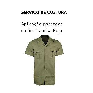 Serviços de Costura Aplicação Passador Ombro Camisa Bege