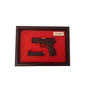 Quadro Moldura Decorativa (Pistola Taurus PT 24/7)
