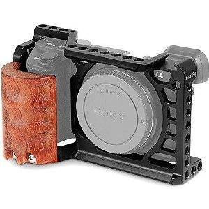 Cage Gaiola SmallRig para Sony A6500 com punho de madeira 2097