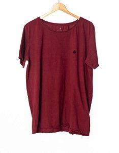 Camiseta Bordada Style Bordô
