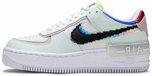 "Nike Air Force 1 Shadow SE ""Pixel Swoosh - Barely Green"" Feminino"