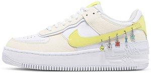 "Nike Air Force 1 Shadow SE ""Pale Ivory Light Zitron"" Feminino"