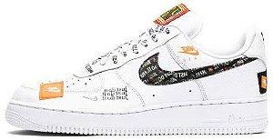 """Nike Air Force 1 '07 PRM """"Just Do It"""" Feminino"""
