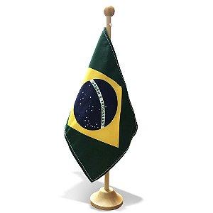 Bandeira de Mesa do Brasil oficial com base em Madeira