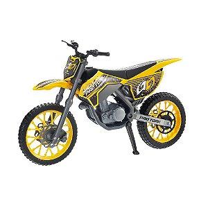 Moto Cross Pro Tork Brinquedo