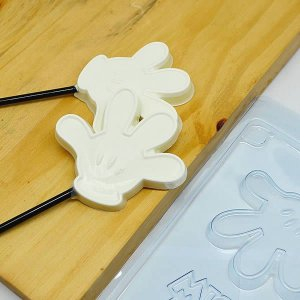 Forma para Chocolate Pirulito Luva do Mickey 20g Ref. 12050 BWB Licenciada Disney 10unid