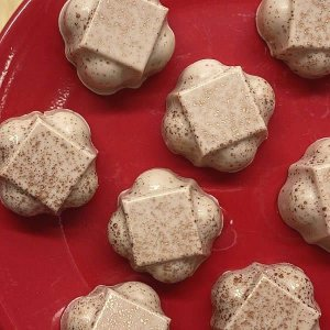 Forma para Chocolate com Silicone Bombom Recheado Delicado 16g Ref. 9728 BWB 1unid
