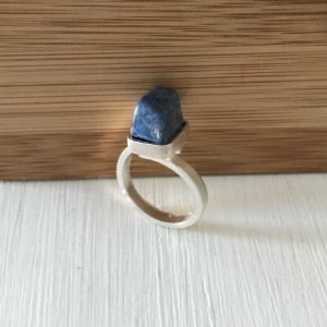 Anel em Prata Pedra Natural Lapis Lazuli