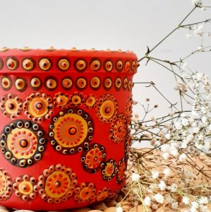 Vaso de plantas pintado a mão
