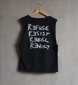 Camiseta Refuse Resist