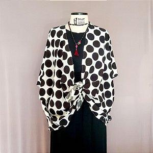 Kimono branco com bola preta