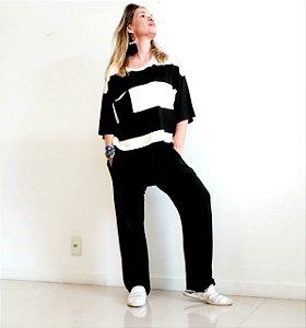 Blusa quadrada com bolso listrada