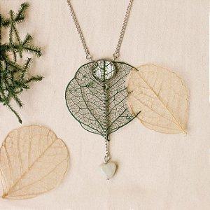 Colar gravatinha - Folha esqueletizada & Amazonita