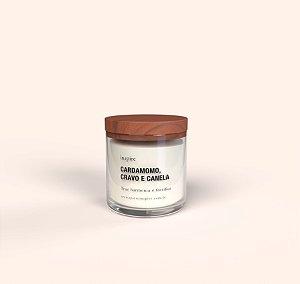 Vela perfumada de Cardamomo, Cravo e Canela com tampa de madeira