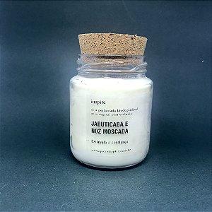 Vela perfumada de Jabuticaba com Noz Moscada com tampa de cortiça M