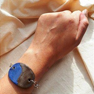 Bracelete azul com preto