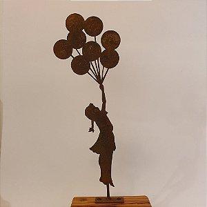 Menina com Balões - Escultura